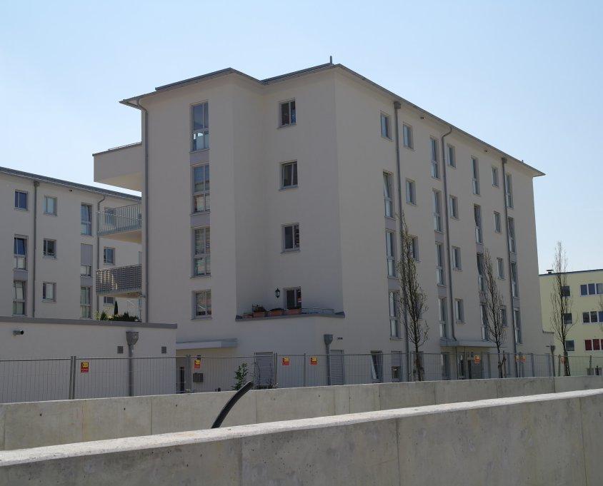Clarita-Bernhard-Straße